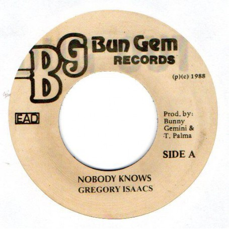 """(7"""") GREGORY ISAACS - NOBODY KNOWS / FIREHOUSE CREW - CLUB MIX"""